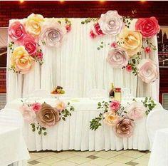 Paper flowers backdrop wedding / http://www.himisspuff.com/wedding-backdrop-ideas/5/