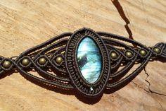 labradorite bracelet,macrame bracelet,macrame jewelry,labradorite jewelry,blue flash labradorite,macrame with bronze,adjustable bracelet by ARTEAMANOetsy on Etsy
