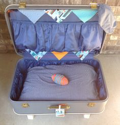 Large Vintage Suitcase-Nautical Theme-check out the legs, used rope wrapped around them, also trimmed in rope! Great travel bed!