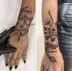 Rebellen Tattoo, Forarm Tattoos, Life Tattoos, Body Art Tattoos, Snake Tattoo, Tatoos, Cute Hand Tattoos, Pretty Tattoos, Finger Tattoos