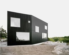 House Tumble by Norlander  #architecture #house #black via http://nordicdesign
