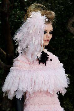 una novia inspirada en los desfiles de alta costura de primavera verano 2013 de paris