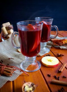 Svařák s jablkem | Veganská liška Smoothie, Tableware, Dinnerware, Tablewares, Smoothies, Dishes, Place Settings