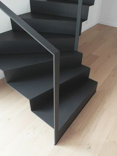 Photo gallery of Unique staircases design. Beautiful original stairs in many pictures and images. In photo gallery you find pictures of staircase construcion types, treads, railings and materials including surface finishing details Wooden Staircase Railing, Stair Railing Design, Home Stairs Design, Interior Stairs, House Design, Stairs And Doors, House Stairs, Entryway Stairs, Casa Loft