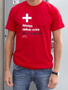 """T-shirt """"Always deliver more than expected"""" Larry Page"""
