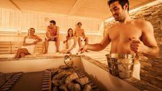 Aufguss in der Panorama - Sauna im Narzissen Bad Aussee. www.narzissenbadaussee.at