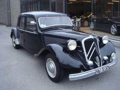 Catawiki online auction house: Citroen Traction Avant 15-6 - 1951