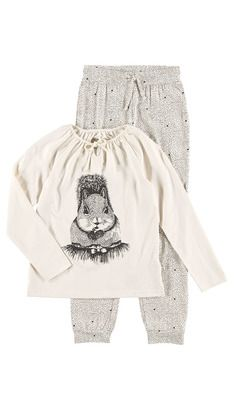 Hennie: Undertøy / Nattøy  Hos POMPdeLUX fremstiller vi undertøy og nattøy som skal være lekkert å ha på. Hos POMPdeLUX fremstiller vi undertøy og nattøy som skal være lekkert å ha på. Undertøy og nattøy skal ikke bare være praktisk, men også ha en lekker design. I kolleksjonen finner du både underbukser, hipsters, truser, undertrøyer, nattkjoler og pyjamas. Vårt undertøy og nattøy går fra størrelse 80 cm til 152 cm, og det er masse inspirasjon å hente til barnas garderobe.: Adria PY Girl Fashion, Hipster, Girls, Inspiration, Ladies Fashion, Little Girls, Biblical Inspiration, Hipsters, Daughters