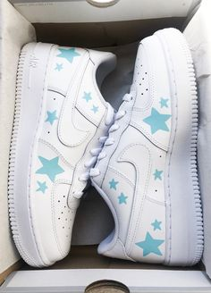 Cute Nike Shoes, Cute Nikes, Cute Sneakers, Nike Air Shoes, Nike Custom Shoes, Custom Painted Shoes, Nike Air Force, Air Force Ones, Mode Converse