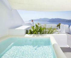 Looking for luxury rooms and suites at Kirini Santorini? Check availability at The Leading Hotels of the World Santorini Hotels, Greece Hotels, Santorini Greece, Beach Hotels, Santorini Island, Santorini Travel, Greece Travel, Spa Luxe, Luxury Spa