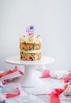Funfetti Cake Smash for Baby 3 Tier Cake, Tiered Cakes, Sugar Sprinkles, Funfetti Cake, First Birthday Cakes, Diy Cake, Cake Ingredients, Fancy Cakes, Buttercream Frosting