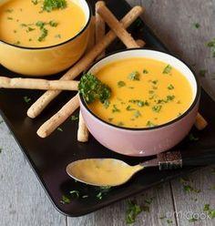 Buiten is het koud & guur. Binnen is het tijd voor soep! Wortelsoep met kokosmelk! Ok, ik ben geen soep-mens. Ik weet niet wat het is, maar je hoeft mij er niet voor wakker te maken… Alwin vindt het heerlijk. We eten niet heel vaak soep, maar zo af en toe maak ik een groteRead More