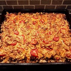 Lottas tacopaj i långpanna Minced Meat Dishes, Minced Meat Recipe, Beef Dishes, Meat Recipes, Snack Recipes, Recipies, Food For The Gods, Zeina, Swedish Recipes