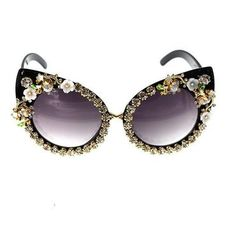 74cc4b93bdd59 Cat Eye Sunglasses With Rhinestone Decorations Cat Eye Sunglasses