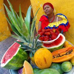 Resultado de imagen para africana sombrero de frutas tropical