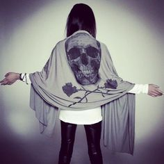 Find images and videos about fashion, style and grunge on We Heart It - the app to get lost in what you love. Alternative Rock, Mode Rock, Grunge, Skull Scarf, Skull Fashion, Mode Streetwear, Skull And Bones, Mode Outfits, Skater Outfits