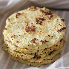 ( ^o^ ) Tortitas de coliflor Vegan Breakfast Recipes, Vegetarian Recipes, Healthy Recipes, Healthy Cooking, Cooking Recipes, Cooking Tips, Salvadorian Food, Comida Keto, Yummy Veggie