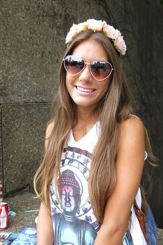 heart sunglasses & flower crown: Lollapalooza 2013 Heart Sunglasses, Sunglasses Women, Festival Fashion, Festival Style, Summer Wardrobe, Flower Crown, Lollapalooza 2013, Hair Beauty, How To Wear