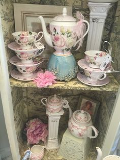 Beautiful tea wares