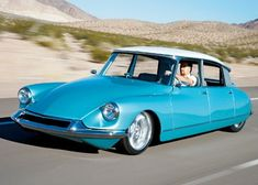 http://jalopnik.com/390057/hot-rod-citroen-ds-packs-a-familiar-punch