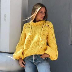 Orange Sweaters, Cozy Sweaters, Knitting Paterns, Hand Knitting, Knit Vest Pattern, Pulls, Knit Cardigan, Knitwear, Knit Crochet