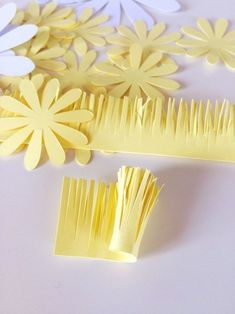 VK is the largest European social network with more than 100 million active users. Tissue Paper Flowers, Fabric Flowers, Diy Flowers, Diy Paper, Flower Crown, Quilling, Origami, Daisy, Photo Wall