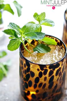 Classic Mint Julep Cocktail | Great for Kentucky Derby parties & spring, summer celebrations! MarlaMeridith.com ( @marlameridith )