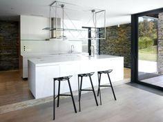 die besten 25 k cheninsel hocker ideen auf pinterest hocker f r k cheninsel wei e. Black Bedroom Furniture Sets. Home Design Ideas