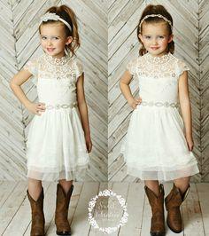 Stunning Flower girls dressrustic flower girl par SweetValentina