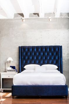 Home :: industrial elegant design m favorite velvet blue headboard. ummm this bed Navy Master Bedroom, Blue Bedroom, Bedroom Decor, Bedroom Ideas, Bedroom Modern, Bed Ideas, Master Bedrooms, Bedroom Designs, Blue Headboard