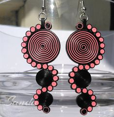 Check out these weight less amazing looking paper quilling earrings, necklace, quilling jhumkas earrings. Know the Paper Quilling techniques and create your own Quilling jewellery. Quiling Earings, Paper Quilling Earrings, Paper Quilling Patterns, Quilling Paper Craft, Paper Bead Jewelry, Fabric Jewelry, Paper Beads, Clay Jewelry, Jewelry Crafts