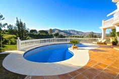 Frontline golf villa Marbella www.mnarbella-homefinders.com Marbella Real Estate, Villa, Golf, Luxury, Outdoor Decor, Home Decor, Decoration Home, Room Decor, Home Interior Design