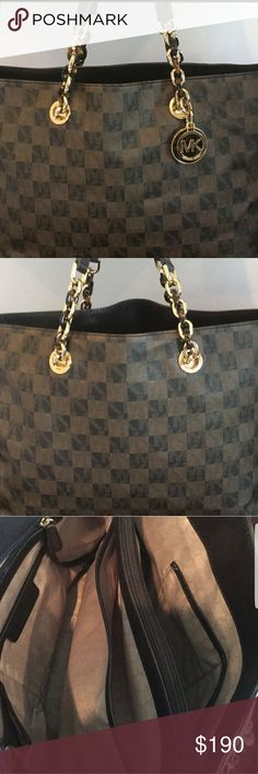 Michael kors checkered tote. Cute Michael kors purse checkered design Great condition. Michael Kors Bags Totes