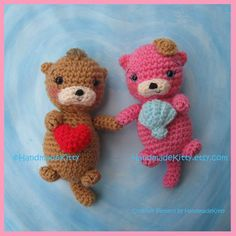 =^_^=☆=^_^=☆Crochet Pattern=^_^=☆=^_^=☆   They always love to swim and float together holding hands :).  She is holding a shell and he is holding a heart :) , both can be interchangeable as you wish, it could be the perfect gift for valentines day or any day of the year to show your love :) Size:  15.3cm (6inch)  You will need: a 3mm hook and Dk or worsted weight yarn.  Pattern is in US English terms and comes with many pictures with step by step instructions.   *Copyright Material for…