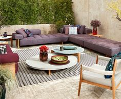 Nouveautés Indoor / Outdoor Outdoor Sectional, Sectional Sofa, Perriand, Petites Tables, Indoor Outdoor, Outdoor Decor, Showroom, Outdoor Furniture Sets, Home Decor