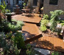 Trex Backyard Deck and Boardwalk Front Porch Stairs, Porch Columns, Porch Steps, Front Steps, Craftsman Style Porch, Craftsman Interior, Porch Railing Designs, Front Porch Design, Cedar Planter Box