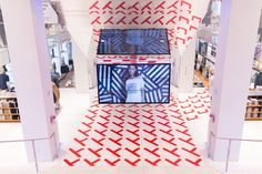 We're feeling inspired by Sigrid Calon's in-store activation design at Uniqlo's Fifth Avenue retail location in NYC!