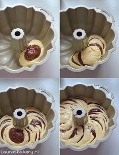 Zebra tulband - Laura's Bakery Torta Zebra, Zebra Cakes, Easy Cheesecake Recipes, Dessert Recipes, Torta Animal Print, Cake Cookies, Cupcake Cakes, Marmer Cake, Pumpkin Bundt Cake