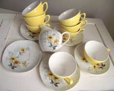 Meakin Cups and Saucers  Summertime Teacups by Meakin  by gazaboo