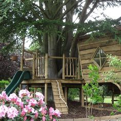 Gorgeous Play Garden Design Ideas For Your Kids Backyard Playhouse, Build A Playhouse, Backyard Playground, Backyard For Kids, Playhouse Ideas, Backyard Ideas, Modern Tree House, Simple Tree House, Building A Treehouse
