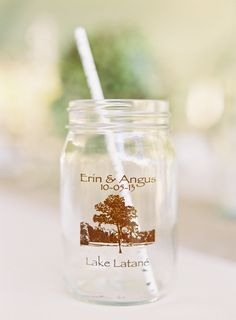mason jar wedding favor #weddingfavor #weddingideas #weddingchicks http://www.weddingchicks.com/2014/01/29/thrift-savvy-wedding