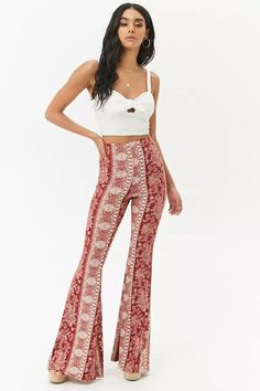 Product Name:Paisley & Floral Flared Pants Category:bottoms Flare Pants Outfit Boho, Lounge Pants Outfit, Floral Pants Outfit, Pretty Outfits, Cute Outfits, Formal Outfits, Cute Fashion, Fashion Outfits, Hippie Outfits