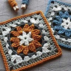 Crochet granny square pattern with flower motif. Neat circle inside a square crochet block pattern. Granny Square Crochet Pattern, Crochet Blocks, Crochet Squares, Crochet Blanket Patterns, Crochet Motif, Free Crochet Square, Granny Square Tutorial, Afghan Patterns, Filet Crochet