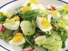 Kartoffel-Rucola-Salat mit Eiern ist ein Rezept mit frischen Zutaten aus der Kategorie Gemüsesalat. Probieren Sie dieses und weitere Rezepte von EAT SMARTER!