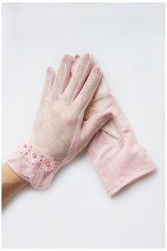 Pink Gloves, Lace Gloves, Dress Gloves, Bracelet Crochet, Gloves Fashion, Vintage Gloves, Casual Elegance, Lace Fabric, Casual Outfits