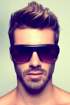 This is pretty much exactly the hair cut and style I want my hair to look like. Except shorter on the sides for more contrast. Short Hair Cuts, Short Hair Styles, Short Beard, Justin Clynes, I Like Your Hair, Look Man, Boy Hairstyles, Glasses Hairstyles, Trendy Hairstyles