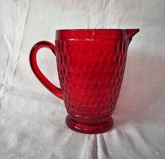 Punainen V&B Boston -kristallikaadin Fleas, Boston, Mugs, Retro, Tableware, Vintage, Eggs, Dinnerware, Tumblers