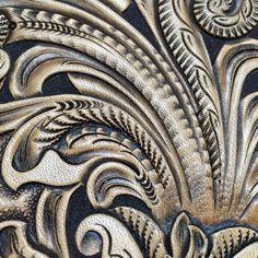 #leathercraft #leathercarving #レザークラフト #レザーカービング#Antiquefinish#アンティック仕上げ