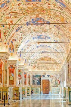 Vatican Museum: Rome Italy