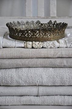 (via Art & Vintage / Romantique and Shabby) Textiles, Chenille, Linens And Lace, White Linens, Tiaras And Crowns, Schmuck Design, Shades Of Grey, Shabby Chic, Antiques